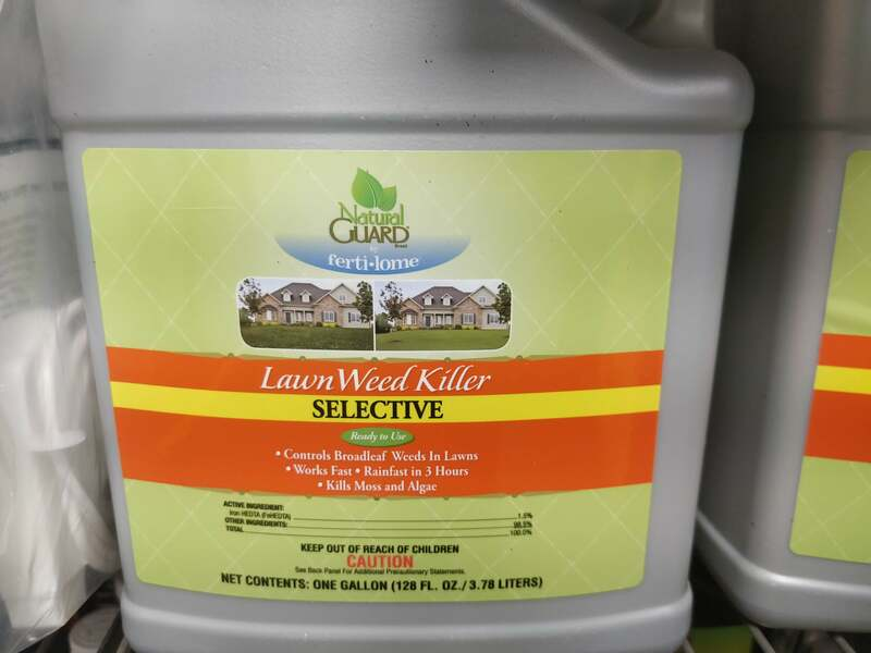 Use on lawns to selectively control/ suppress Broadleaf Weeds. Also kills moss and algae Fast acting; rain-fast in 3 hours!